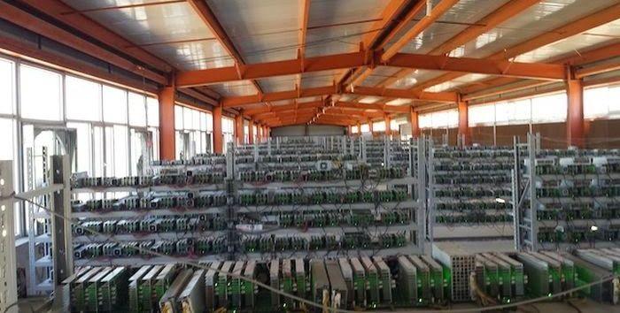 Одна из крупнейших ферм биткоинов в мире